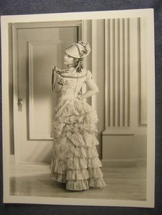UNIDENTIFIED ACTRESS 30s VINTAGE PHOTO H677