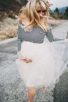 No better time to try tulle than when you're pregnant! #maternitystyle #stylishpregnancy