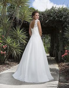 sv74a-svadobne-saty-svadobny-salon-valery