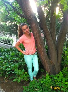 Im not weird for repinning this pic of some random girl, I just like the colors of her shirt and pants. That's all.