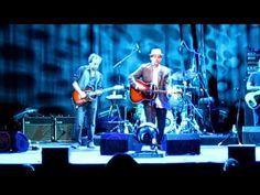 """John Hiatt """"Feels Like Rain"""" (Madrid John Hiatt, Muddy Waters, Feel Like, Madrid, Blues, Feels, Rain, Scene, Songs"""