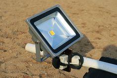 Ratsastuskentän valaistus: LED valonheittimet - Ohituskaistalla