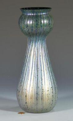 Lot: STEUBEN AURENE GLASS VASE, Lot Number: 010001, Starting Bid: $750, Auctioneer: DuMouchelles, Auction: Fine Art, Antiques And Jewelry, Date: January 14th, 2017 EET