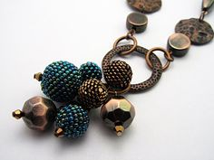 beaded bead necklace - I love the simplicity of this look.  Beautiful!