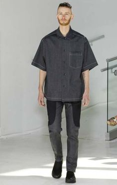 Hoolywood unveiled its Spring/Summer 2017 collection during New York Fashion Week: Men's. Fashion Show, Mens Fashion, Fashion Styles, Fashion Design Drawings, Mens Essentials, Denim Trends, Men Street, Autumn Street Style