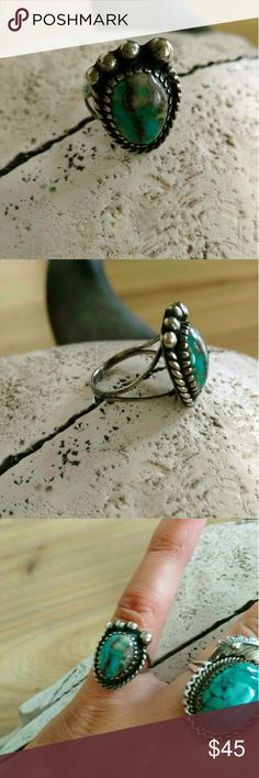 Bear claw vintage unmarked sterling with turquoise The stone is so pretty on this ring and it's a well made quality piece. It is a smaller ring, see pic three for scale. Size 6 Vintage Jewelry Rings