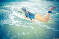 Серфингистки в нарисованных костюмах (25 фото)