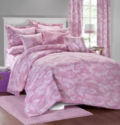 Browning Pink and white Camo Bedding is for those like the a pink and white camouflage pattern with Browning Buckmark logo designs.