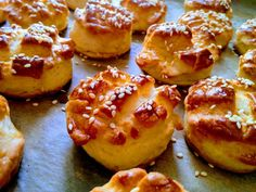 Pastry Art, French Toast, Muffin, Food And Drink, Breakfast, Recipes, Hungarian Recipes, Morning Coffee, Muffins