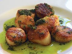 Romantic Recipes Sauted Scallops with Garlic and Parsley Butter
