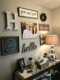 decoracion de recibidores con fotos familiares