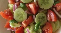 Cucumber, Tomato, And Avocado Salad Is Super Fresh And Tasty Marinated Cucumbers, Cucumbers And Onions, Easy Salads, Summer Salads, Easy Meals, Avocado Salad Recipes, Cucumber Salad, Cucumber Water, Feta Salad