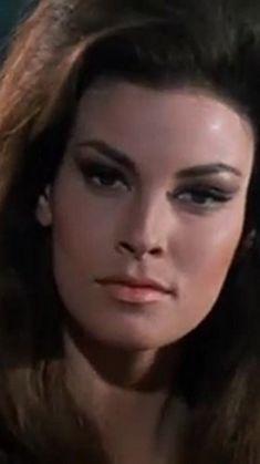 Raquel Welch in Le fate (1966)