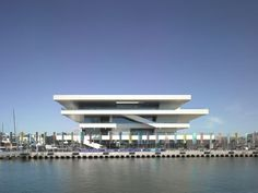 Chipperfield, David: America's Cup Building, Valencia, Spain