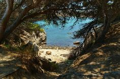 Secret Cove in L'Escala, Costa Brava, Spain Most Beautiful Beaches, Beautiful Places, Costa, English Heritage, Barcelona Travel, Beaches In The World, Fishing Villages, Photo Location, Holiday Travel