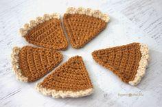 Repeat Crafter Me: Crochet Pumpkin Pie Bunting  free crochet pattern & photo tutorial