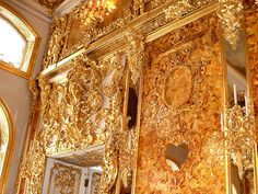 Amber Room at the Catherine Palace Pink Master Bedroom, Ivory Elephant, Amber Room, Paris Opera House, Winter Palace, Summer Palace, Royal Art, Russian Architecture, Peter The Great