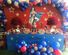 Vejam mulherada!!!! Que festa maravilhosa!!! #inspiresuafesta #bloginspiresuafesta #festamulhermaravilha Via @reneecoheng - 🌟🌟🌟Que opinan de esta Mesa??? 🌟🌟🌟con mucho Amor para ti Naomi ❤️❤️❤️ - #regrann