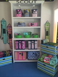 A beautiful crisp, clean display by Lily Pad located in Baltimore, MD! What a great way to utilize our Junque Trunks for storage while also using them as a display piece.