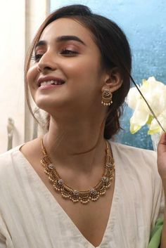Gold jewelry Fashion Chain - - Yellow Gold jewelry Videos - Antique Gold jewelry Indian - Gold jewelry Arabic Name Necklace Jewelry Design Earrings, Gold Earrings Designs, Gold Jewellery Design, Necklace Designs, Jewelry Box, Tiny Earrings, Jewelry Making, Jewelry Pouches, Jewelry Necklaces