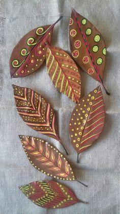 Leaf Crafts, Diy And Crafts, Crafts For Kids, Arts And Crafts, Autumn Crafts, Nature Crafts, Painted Leaves, Painted Rocks, Leave Art