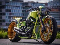 ▷ Harley-Davidson Custom Softail by Rick's Motorcycles Harley Davidson Breakout Custom, Harley Davidson Night Rod, Black Harley Davidson, Harley Davidson Sportster, Harley Softail, Custom Bobber, Custom Harleys, Custom Bikes, Custom Softail