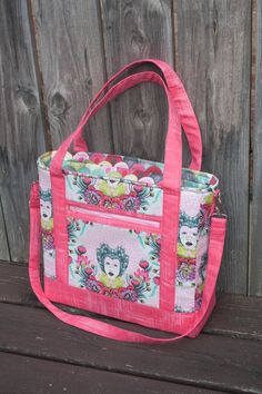 Today, I'm presenting the Tudor Bag, a 'choose-your-own-sewing-adventure' bag sewing pattern, available now in my pattern shop as a pdf and also a paper pattern! I sometimes have a hard time writing a pattern for a confident beginner; I just want to put too many details into my designs. This time, I went for a boxy …