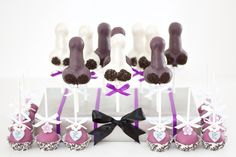 Naughty bachelorette party cakepops! For diy ideas, recipes & more, follow me @sosweetbites on Instagram!