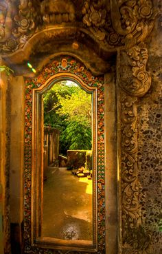 Doorway in Ubud - Bali. Just looking at this picture makes me warmer. :) ~ previous pinner. This one is warm enough in Bali, thank you.