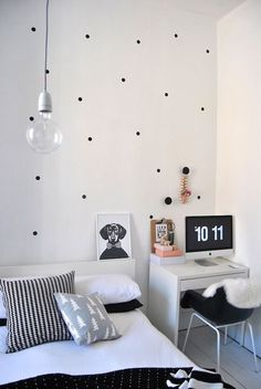Polka Dot Black and White Room |