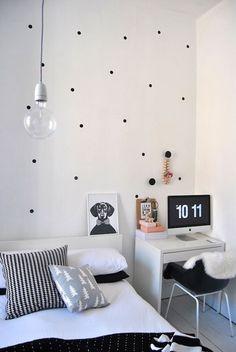 Polka Dot Black and White Room |