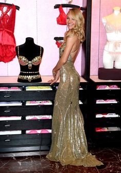 Candice Swanepoel Photos: Candice Swanepoel Shows Off The Royal Fantasy Bra