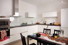 Cocina-comedor a todo #color  #alojamiento http://www.ivoryescapes.com/gdiazporlier2.htm