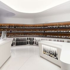 - While most wine cellars and shops can be found in dark, wooden cabins, the Rogers Marvel Architects 'Vintry Fine Wine' store is as bright and a. Interior Desing, Retail Interior, Interior Design Inspiration, Liquor Shop, Wine And Liquor, Lombok, Design Commercial, Wine Display, Bottle Display