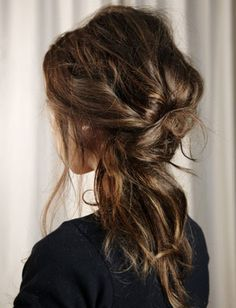 20 messy chic hairstyles from Pinterest - a beautiful mess