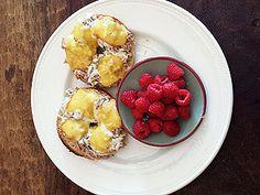 personal trainer & diet guru harley pasternak's favorite healthy snacks. (each snack is under 150 calories!)