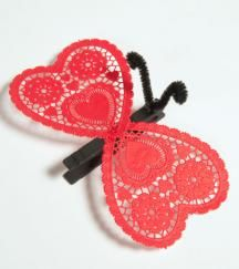 an easy way to use up the left over valentine craft supplies.