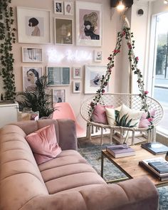 The Ultimate Luxury Manicure With Roxanne Campbell Oturma Odası – Home Decoration Room Ideas Bedroom, Diy Bedroom Decor, Living Room Decor, Decor Diy, Home Decoration, Swing In Bedroom, Bedroom Wall, Cosy Bedroom, Girl Bedroom Designs