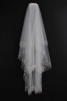 Spectacular 2-tier Elbow Wedding Veils With Beading Edge