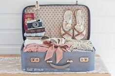 See what Tamara van Kilsdonk (tamara_vankilsdonk) found on We Heart It, your everyday app to get lost in what you love. Travel Couple Quotes, Best Travel Bags, Vintage Suitcases, Vintage Luggage, Vintage Bags, Travel Wardrobe, Packing Tips, Baby Bumps, We Heart It