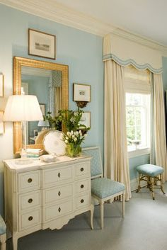 Brocky Proxmire wrote us about the bedroom his mother, interior designer Kelley Proxmire , designe. Blue Brown Bedrooms, Blue Rooms, Blue Bedroom, Bedroom Colors, Bedding Master Bedroom, Home Decor Bedroom, Valance Window Treatments, Bedroom Windows, Beautiful Bedrooms