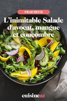 L'été sera chaud et il faut se préparer à avoir envie de fraîcheur sur les tables : cette recette de salade d'avocat, mangue et concombre est parfaite. Pleine de saveurs, de fruits et légumes de saison, elle est rapide et simple à préparer et idéale pour être emportée au bureau, en pique-nique ou en déjeuner healthy ! Bref, la salade composée est de retour. Tika Massala, Buffet, Tables, Simple, Ethnic Recipes, Food, Chopped Salads, Mesas, Buffets