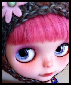 Blythe Doll... such a cute face