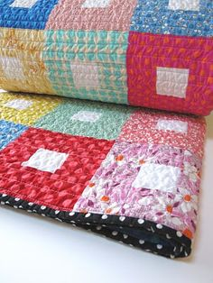 fat quarterly quilt along quilt - LOVE the black poika dot binding and I wonder if it's the backing also ?!?!  (debs)