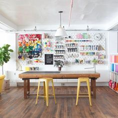 Looking for a little inspiration to set up a fabulous craft space? These 30 Artsy Craft Room Ideas And Decorations are going to get you started on designing a great craft area in your home from storage to organization, decorating… Continue Reading → Art Studio Room, Art Studio Design, Craft Room Design, Art Studio At Home, Garage Art Studio, Studio Spaces, Painting Studio, Sewing Room Design, Art Spaces