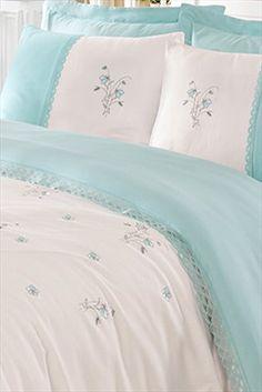 Bedroom Furniture Design, Home Decor Bedroom, Feng Shui Wood Element, Bed Sheet Curtains, Bed Sheet Painting Design, Bed Cover Design, Designer Bed Sheets, Embroidered Bedding, Bedroom Green