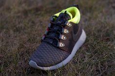 636e53f6afab Nike Rosherun Sneakerboot Nike Roshe Run