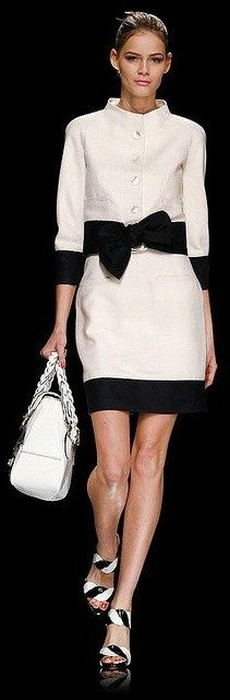 Who doesn't like a little Louis Vuitton...Classic white and black...instead of black and white... http://hadbagslove.p7942p.com/