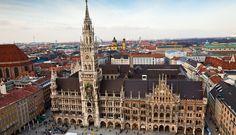 Vista panorâmica da igreja em Marienplatz, Munique | Alemanha