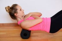 Muskelkater vorbeugen? Stoffwechsel anregen? Bindegewebe straffen? So funktioniert es: https://www.gloryfeel.de/blog/faszienrolle-/-balckroll-regeneration-durch-selbstmassage